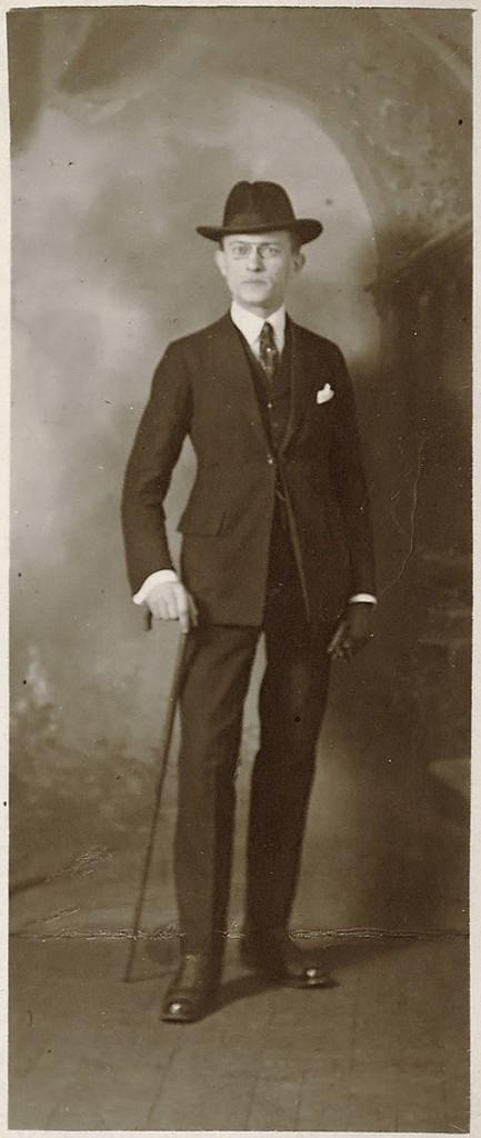 Aleksander Mülber Pariisis märts 1923. foto ERA 4146.17.lk 4.8