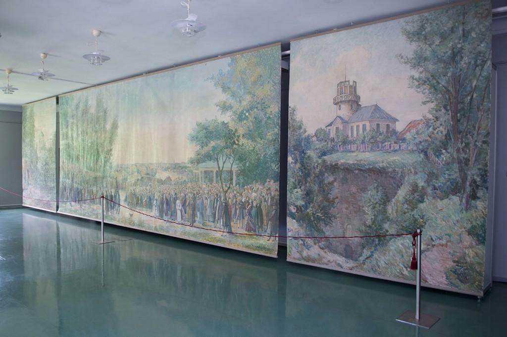 Eesti esimest laulupidu ja Toomemäe vaateid kujutava triptühhoni autoriteks olid Elmar Kits, Johannes Võerahansu ja Aleksander Vardi.