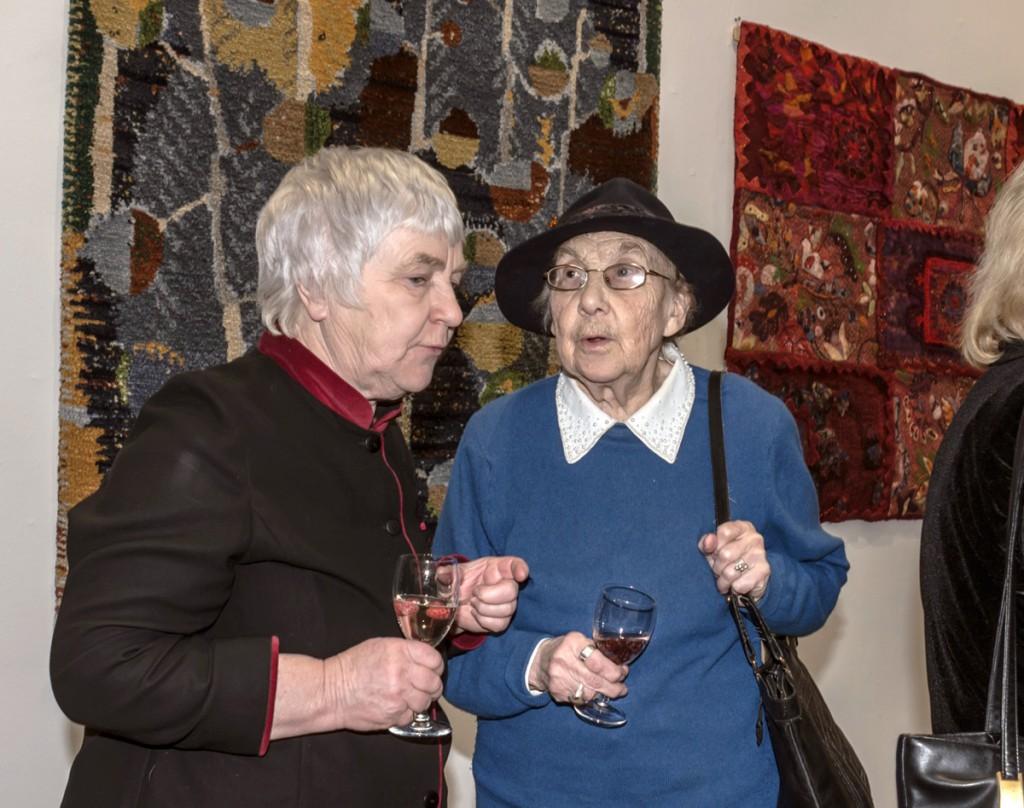 21_SADA avamine Tallinna Kunstihoones_Anu Raud ja Inge Teder_foto Toomas Huik